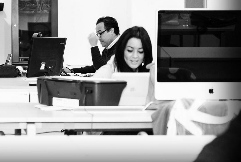 5-claves-para-llevarte-bien-con-tus-compañeros-de-coworking