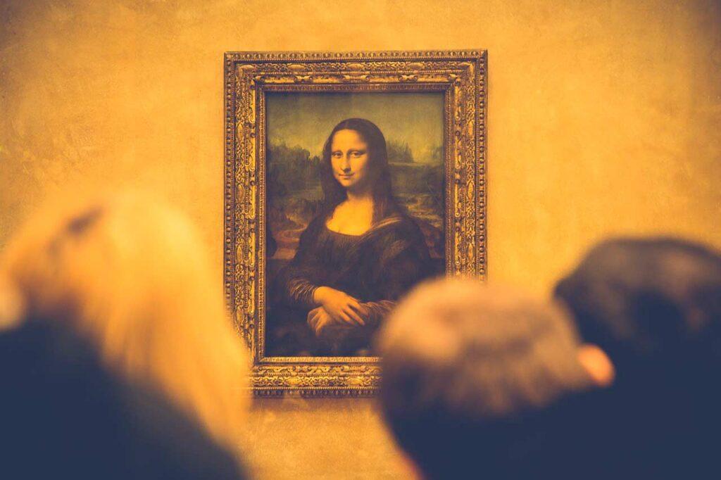 La Mona Lisa en el Museo del Louvre es uno de los mayores reclamos turísticos de Francia.